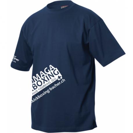 Krav Maga Kickboxing Niederwil T-Shirt mit Clublogo schräg